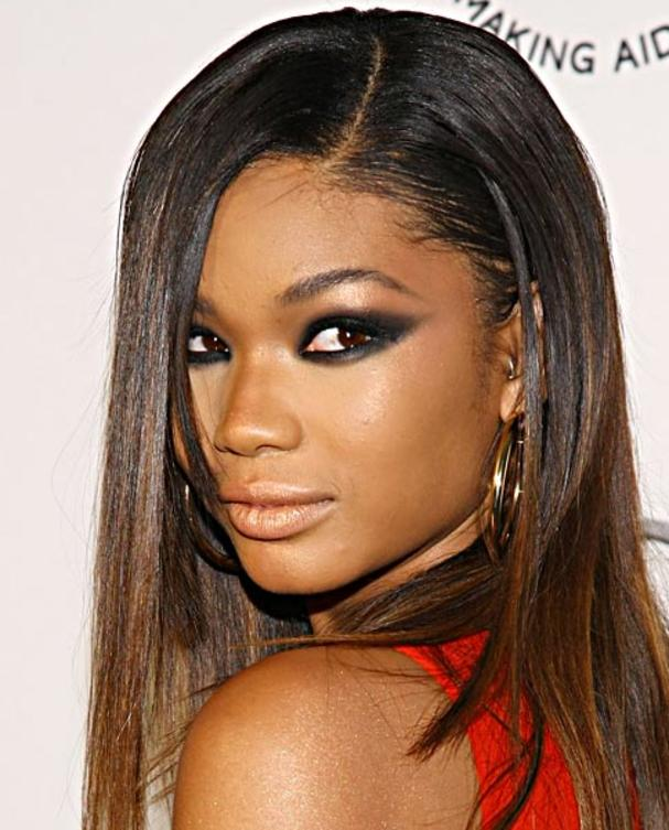 chanel-iman-make-up-cat-eyes