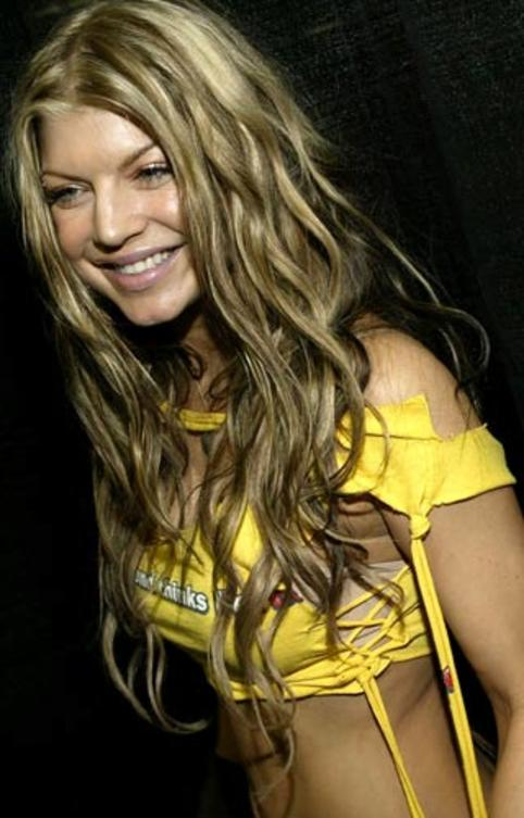 2004-fergie-blackeyed-peas-enges-shirt