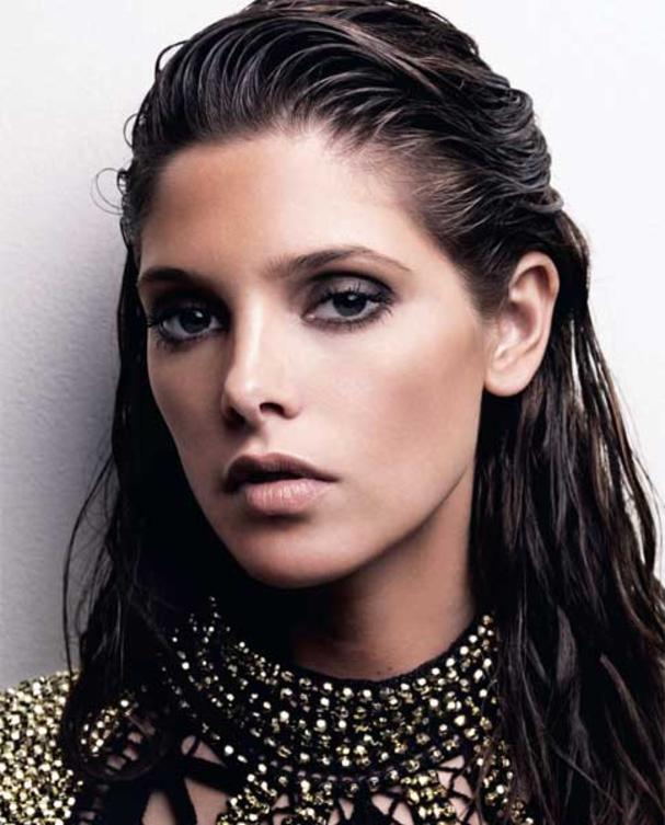 ashley-greene-mit-wet-hair