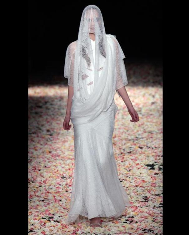 ricardo-tisci-for-givenchy-brautkleid