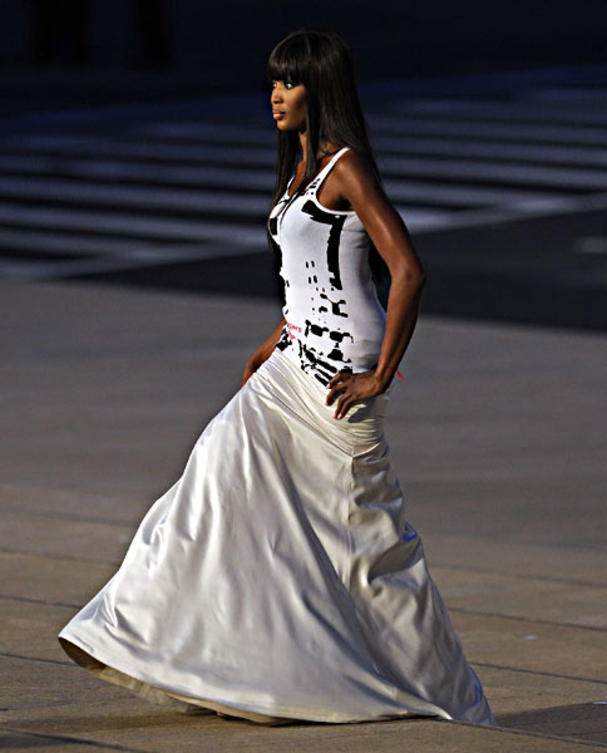 naomi-campbell-bei-fashions-night-out