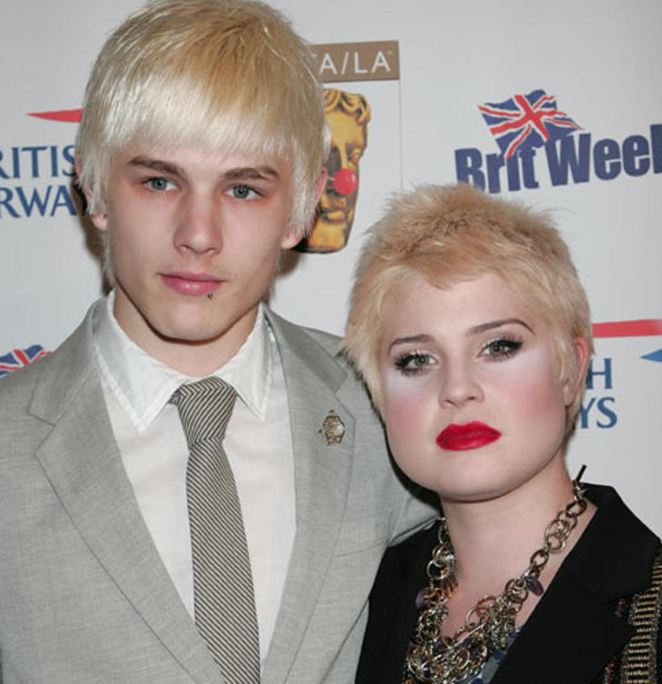 kelly-osbourne-blond-kurz-2009
