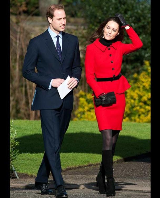 kate-middleton-rotes-kostuem