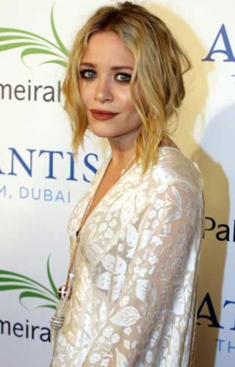 mary-kate-olsen-the-plam-dubai-event-foto